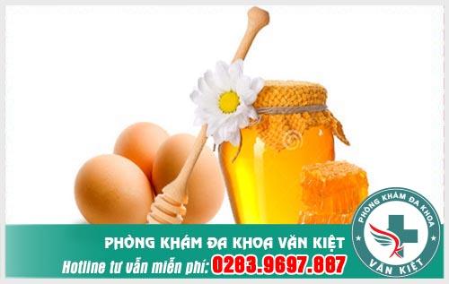 Trong trứng gà có rất nhiều chất dinh dưỡng mà người yếu sinh lý cần phải bổ sung.